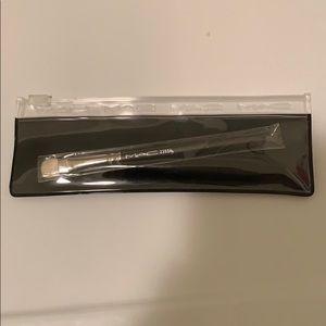 Brand New - MAC Eye Shader Brush